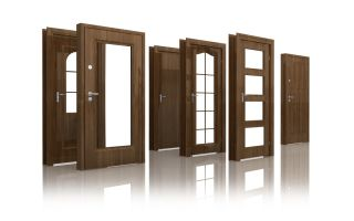 Двери из различных материалов